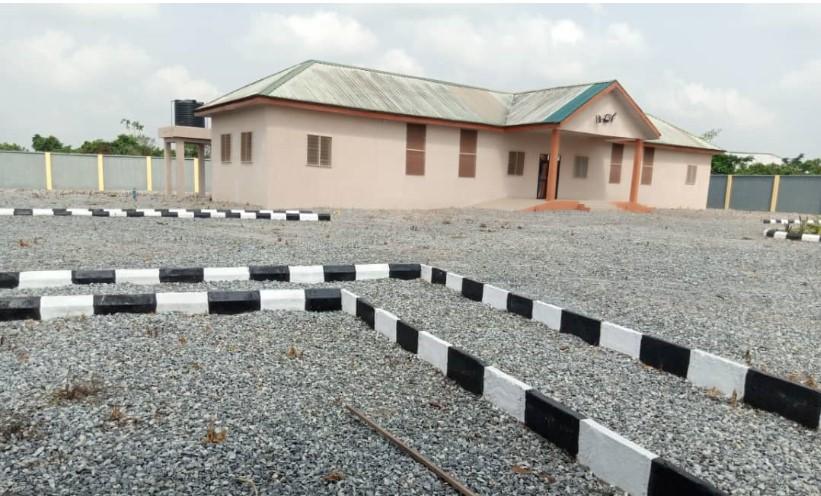 Dhaxle CONSTRUCTION OF OKOMI COMMUNITY CLINIC AND DOCTORS QUARTER