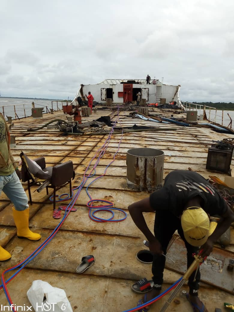 Dhaxle Work in progress in decommissioning a vessel