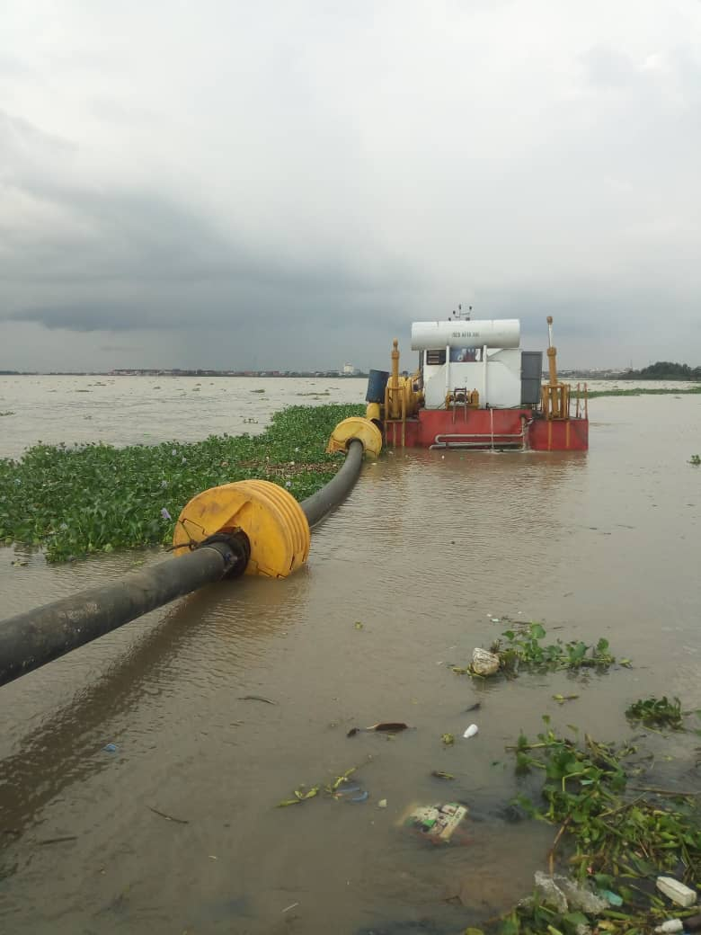 Dhaxle Dredging operations on site